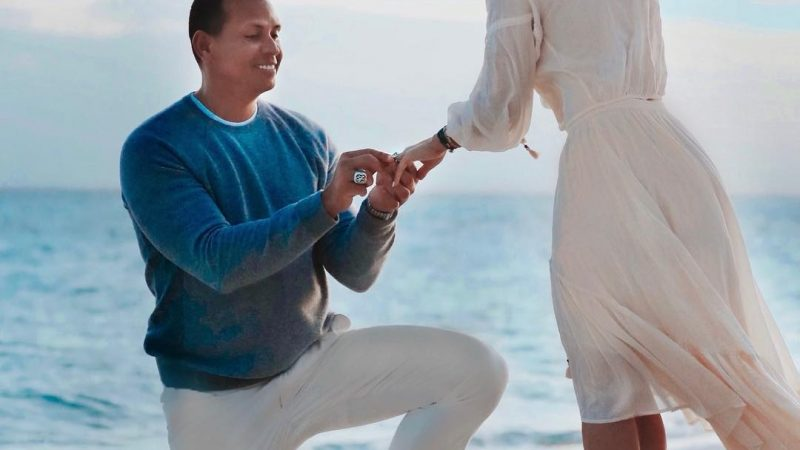 First Look at Jennifer Lopez & Alex Rodriguez' Beachside Proposal 💙